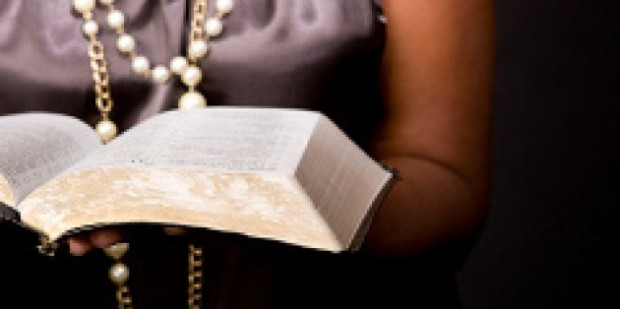 woman_reading_bible.jpg